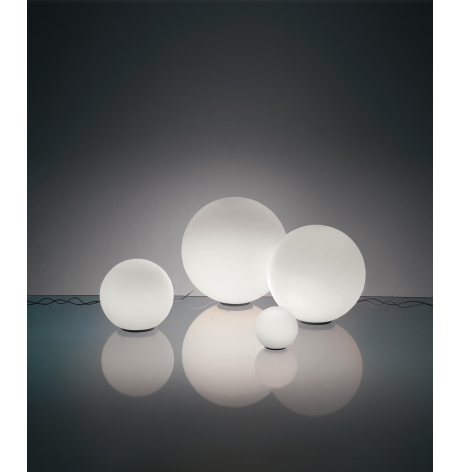 artemide lampen shop artemide bij versteeg lichtstudio. Black Bedroom Furniture Sets. Home Design Ideas